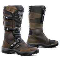 Forma boots.